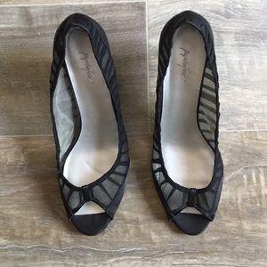 Jaqueline Ferrar peek a boo black 3 inch heels